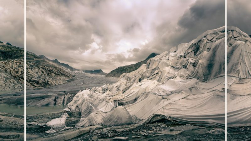 Thomas Wrede: Rhonegletscher II, 2018, Pigmentdruck, Triptychon, 120 x 390 cm, aus: Gletscherprojekt. © Thomas Wrede / VG Bild-Kunst, Bonn