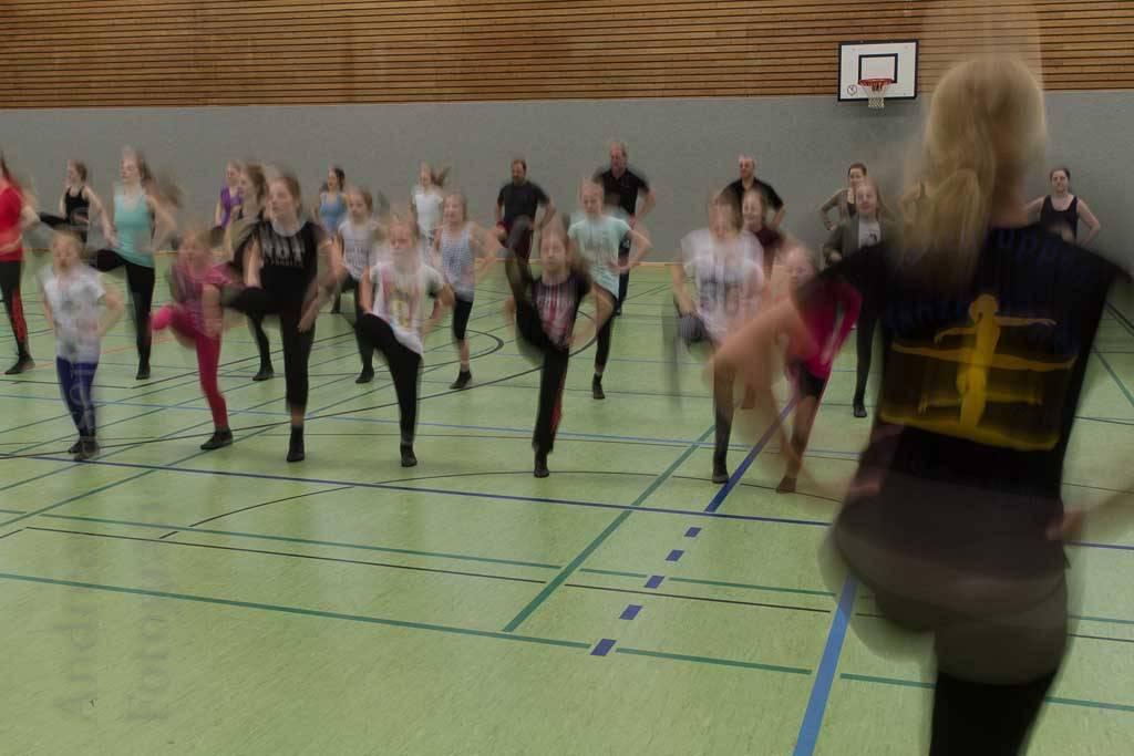 ZiBoMo-Tanzgruppen: Gemeinsam in die Trainings-Zeit für die Session 2017 XXL-fen-Tänzer machen mit